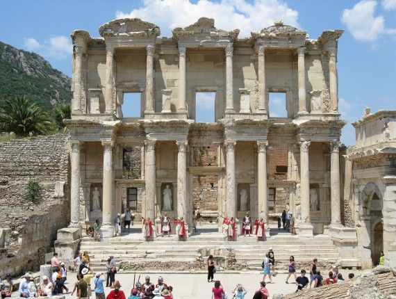 - KUSADASI:as ruínas de Éfesos e a casa de Nossa Senhora.(Grécia)