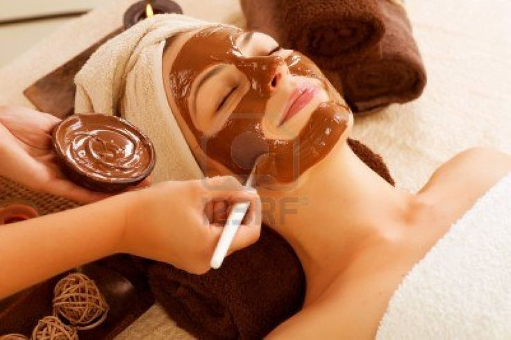 Our Chocolate & Vanilla mask of full of anti-oxidants, deeply cleanses & repairs your skin leaving it silky soft and cleam
