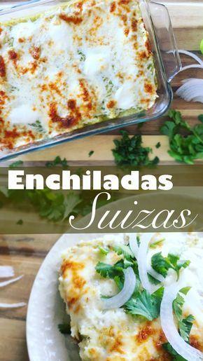 Enchiladas suizas // Tortillas de maíz rellenas de pollo cocido y desmenuzado, bañadas en salsa verde casera, cubiertas por crema y una generosa capa de queso blanco derretido, servidas con tiras de cebolla y un poco de cilantro picado.