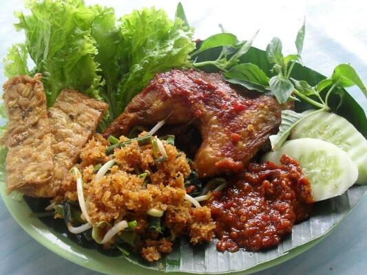 Ayam Penyet from Indonesia, yummy!