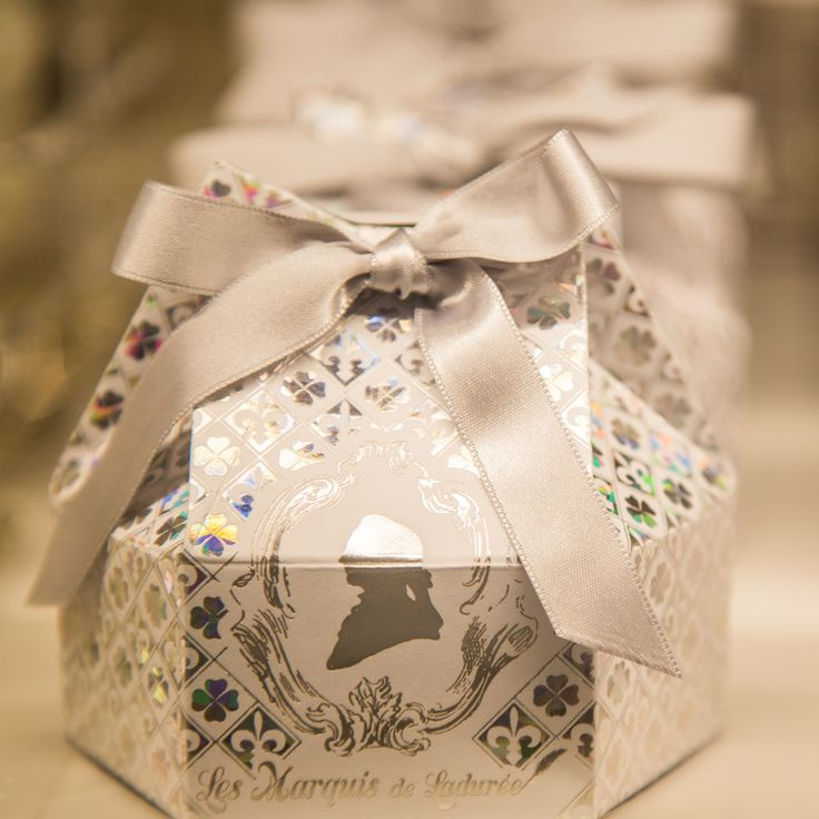 Les Marquis de Ladurée Pop-Up Store  #lesmarquisdeladuree #diamond #chocolate #christmas