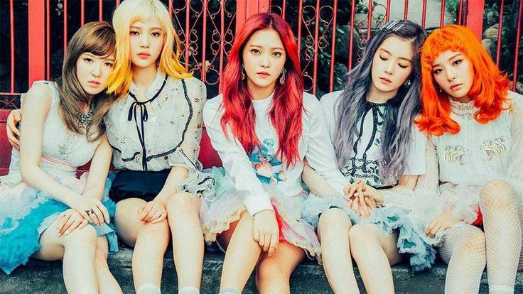 Red Velvet to be the first host of non-live version of 'SNL Korea' http://www.allkpop.com/article/2017/07/red-velvet-to-be-the-first-host-of-non-live-version-of-snl-korea