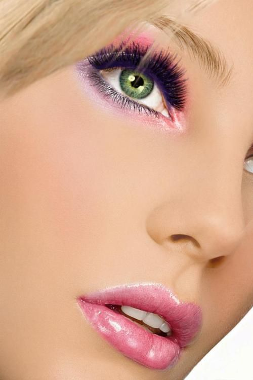 Make-up look...beauty and cosmetics (makeup)