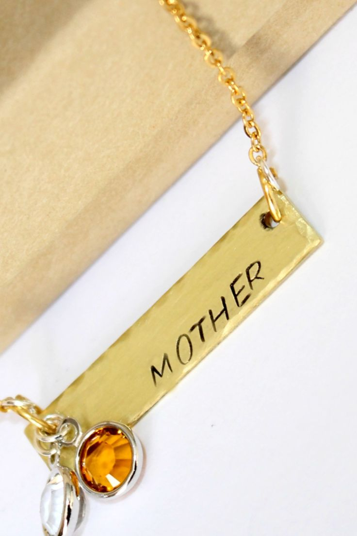 Mothers necklace ~ Gold