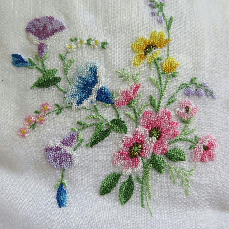 Vintage Embroidered Handkerchief ...x