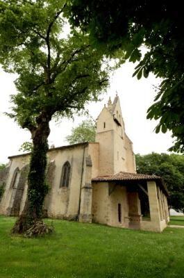 l'église romane de St Léger de Balson. Aquitaine