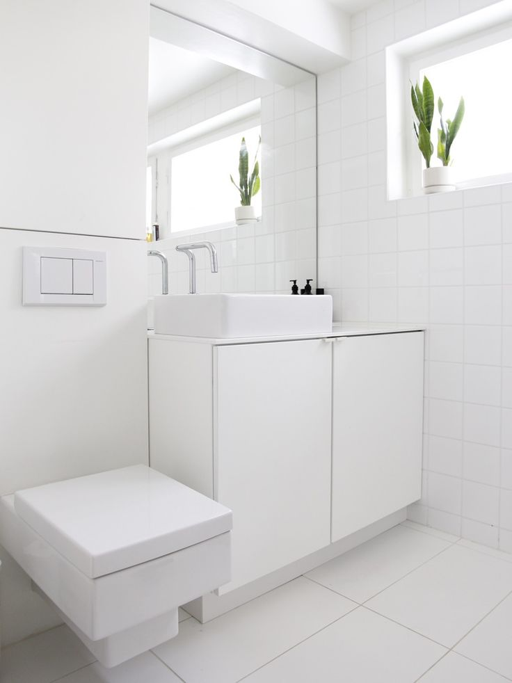 White bathroom. From the blog Time of the Aquarius.
