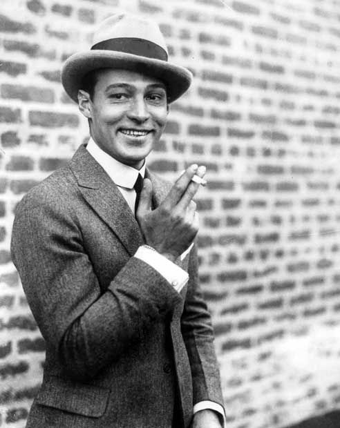 Rudolph Valentino - A time when men knew how to bring his look fully together.