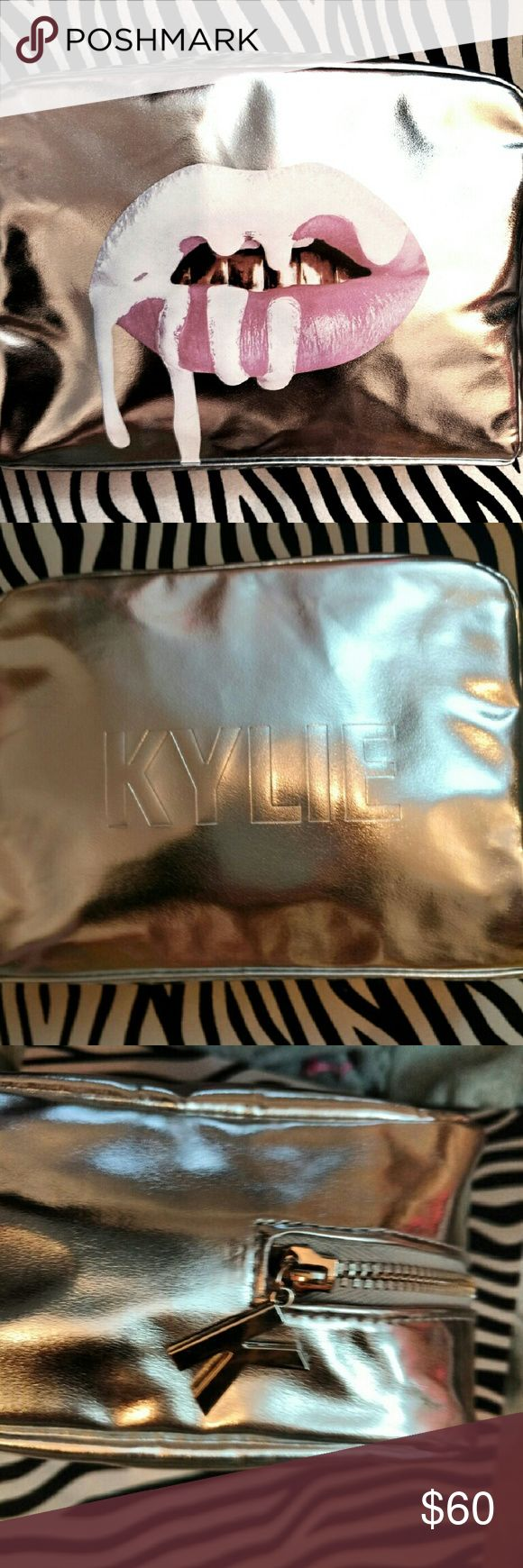 💋💀LTD Edition KYLIE Cosmetics Bag!💀💋 💀💋Out of Stock on Kylie's website💀💋Totally GORGEOUS! Brand new comes in KYLIE Box! AUTHENTIC**💋💀 Kylie Cosmetics Makeup Brushes & Tools