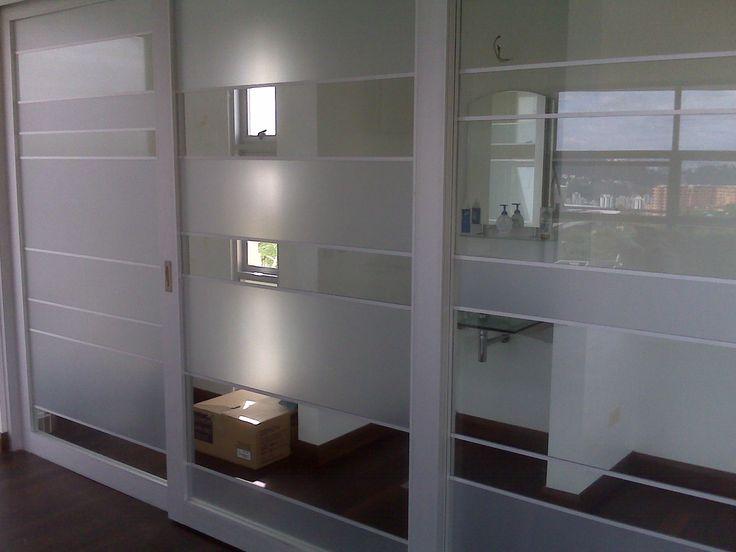 Separador de ambientes con puerta corredera de aluminio - Puerta corredera de aluminio ...