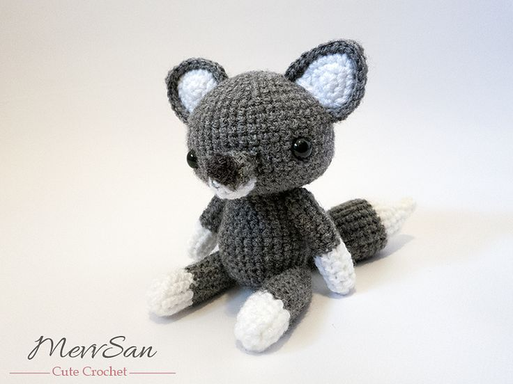 Lobo Amigurumi Tutorial : Amigurumi, Wolves and Pattern library on Pinterest