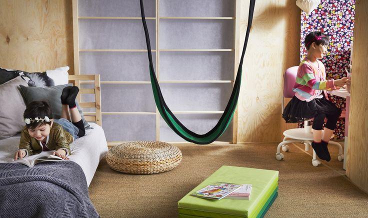 GUNGGUNG schommel | IKEA IKEAnl IKEAnederland kinderen kids kind spelen slaapkamer kinderkamer kamer inspiratie wooninspiratie interieur wooninterieur speelgoed ALSEDA voetenbank TARVA bed bedframe VIMUND bureaustoel stoel bureau