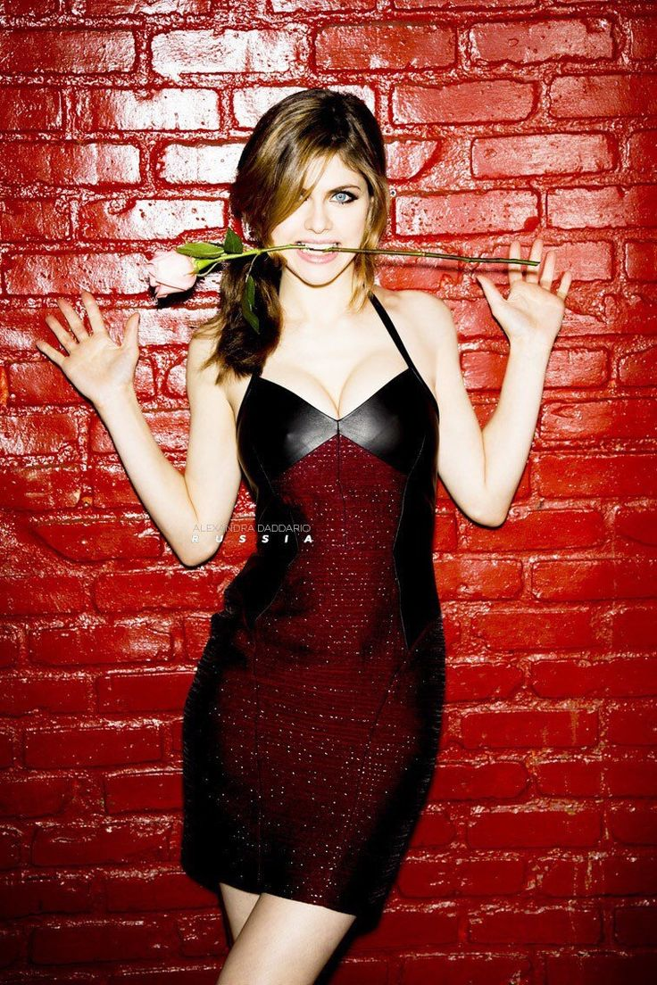 heather-lynn:    Alexandra Daddario Glamour Magazine Photoshoot via Alexandra Daddario Russia   reblogged with tintum.