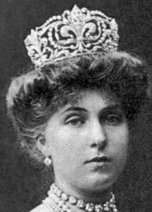 Queen Victoria Eugenie wearing Fleur de Lys Tiara