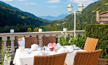 Enjoy a fantastic view and culinary delights in South Tyrol