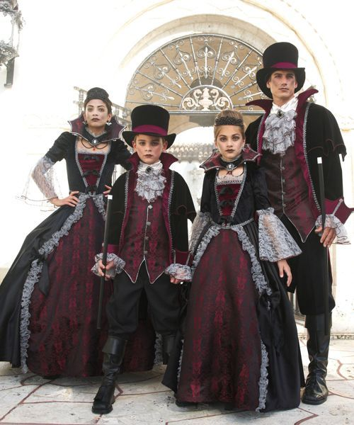 womens vampiress of versailles costume halloween ideas. Black Bedroom Furniture Sets. Home Design Ideas