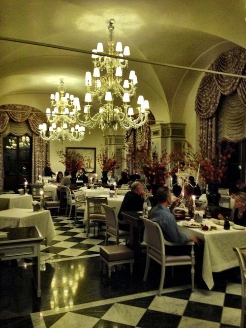 Dinner last night at Michelin starred Il Palagio by Four Seasons Hotel Florence w/ Rubin Singer with just P-E-R-F-E-C-T-I-O-N. Comfortably Elegant. #Florence #Italy by Four Seasons Hotels and Resorts. Carlos Melia Recommends. Carlos Melia curating the world of #Luxury #Travel & #Lifestyle by experience www.carlosmeliablog.com