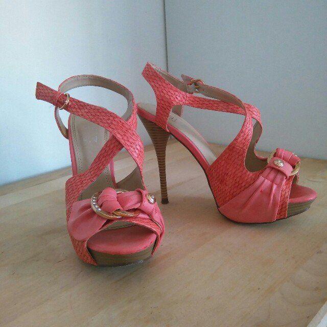 sandali color corallo e tacco in legno n.38 usate una volta #scarpe #shoes #tacchi #corallo #sandali