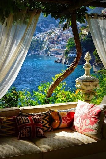 Positano,Italy - wanderlust wish list @LaVieAnnRose. Heaven on earth, no?--CH