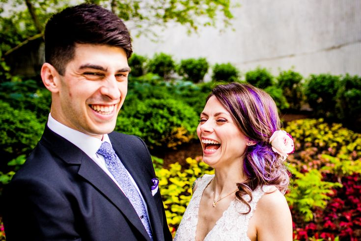 Couple shares their first look at the Aqua Building before their Hideout Chicago wedding