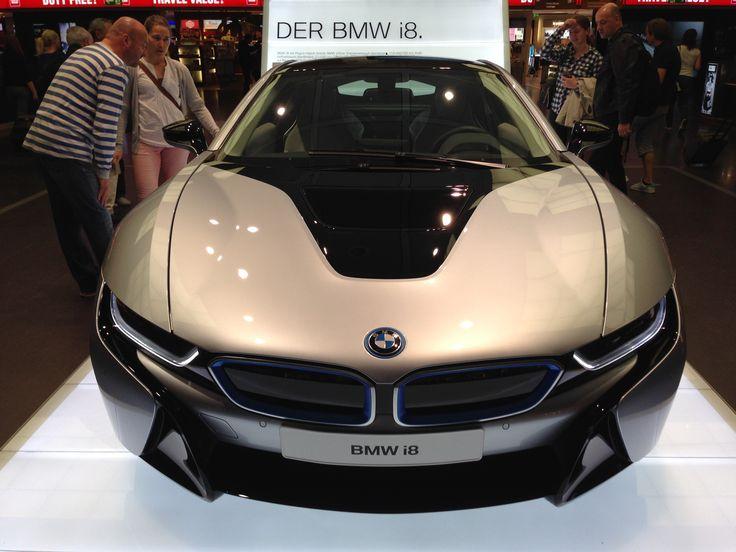 BMW i8 Front2