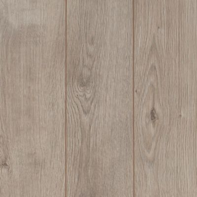 P This Lewisburg Oak Laminate Is 12mm And Has A 40 Year Residential