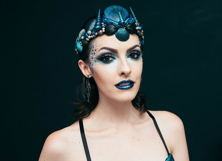 Makeup Sereia Dark trevosa by Karen Bachini | Dark mermaid makeup tutorial .