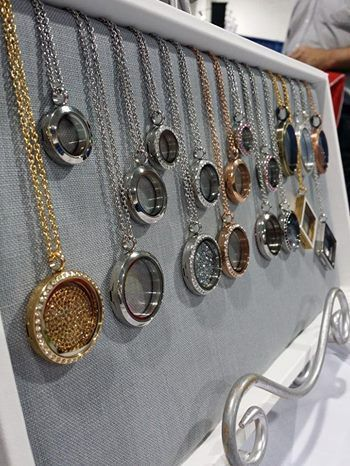 Scrapbooking with Lockets - New addiction! #scrapbooking #lockets #addiction www.geosum2913.origamiowl.com