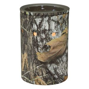 Stealthily stylish, our first licensed camo warmer blends in with any man cave. Featuring Mossy Oak's Break-Up® pattern of interwoven leaves, acorns, and branches.