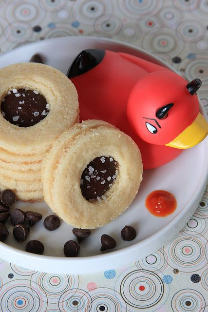 Chocolate-Sriracha Shortbread Cookies  -- OMG these sound amazingChocolatesriracha, Baking Powder, Chocolate Sriracha Shortbread, Cooking Sprays, Vegan Recipe, Shortbread Cookies, Cups Powder, Cookies Ingredients, Cups Flour