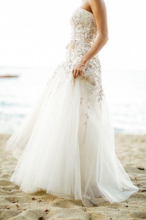Floral Carolina Herrera Wedding Dress | MIke Larson Photography | Chic Lake Tahoe Wedding on the Beach