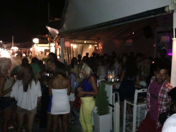 Cocktail bar in Agistri island
