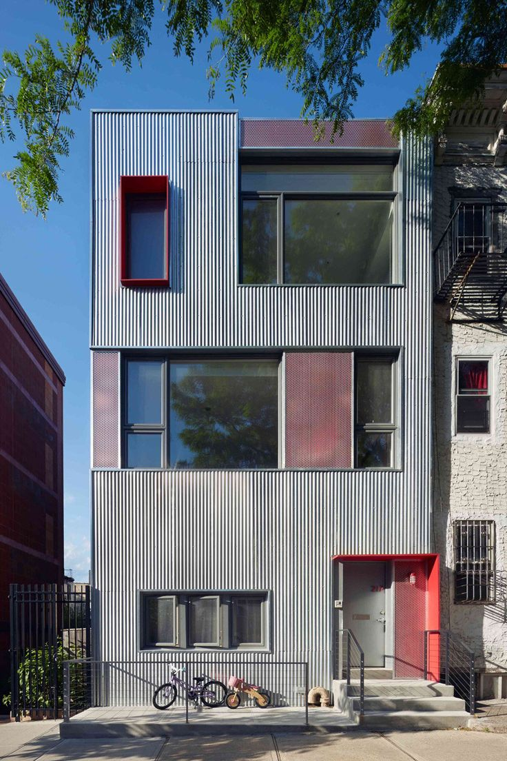 9 Examples Where Corrugated Steel Has Been Used As Siding > South Slope Townhouse in Brooklyn, New York, designed by Etelamaki Architecture.