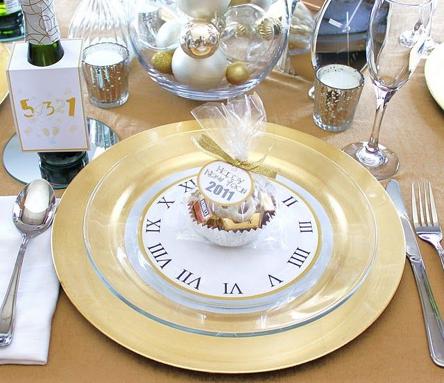 New Year Tablescape Centerpiece www.tablescapesbydesign.com https://www.facebook.com/pages/Tablescapes-By-Design/129811416695