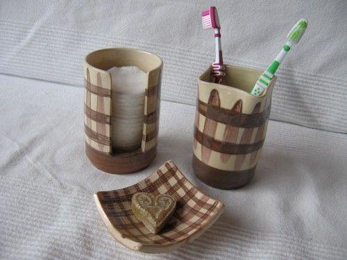 17 meilleures id es propos de porte brosse dents en la poterie sur pinterest projets d. Black Bedroom Furniture Sets. Home Design Ideas