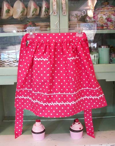 pink and white polka dots | Retro polka dot 1940 apron in child and women aprons. Women 1940 apron ...