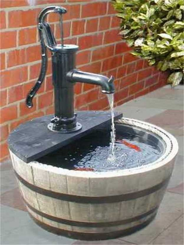 102 best fontaine d eau images on pinterest garden for Homemade water pump for pond