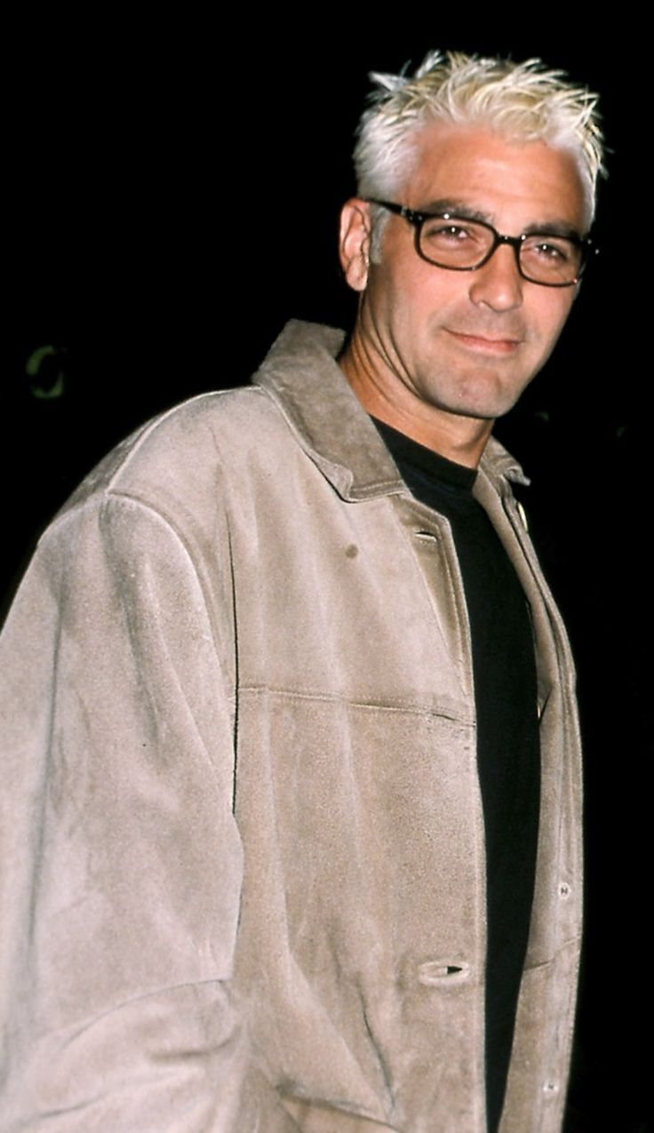 George Clooney: He looks so different! he looks fabulous all grey!!!!1