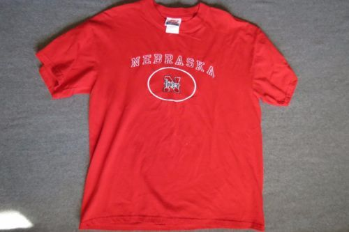 Nebraska Huskers Shirt Men's Red Large Cotton Top Football Cornhuskers Tshirt