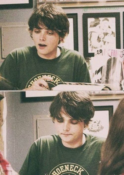 Sometimes, I get angry. Simply because Gee is 1000x prettier than me. Fml :'D