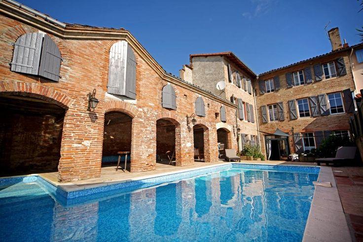Location Vacances Gîtes de France - Hotel Delga parmi 55000 Chambre d'hôtes en Tarn, Midi Pyrénées