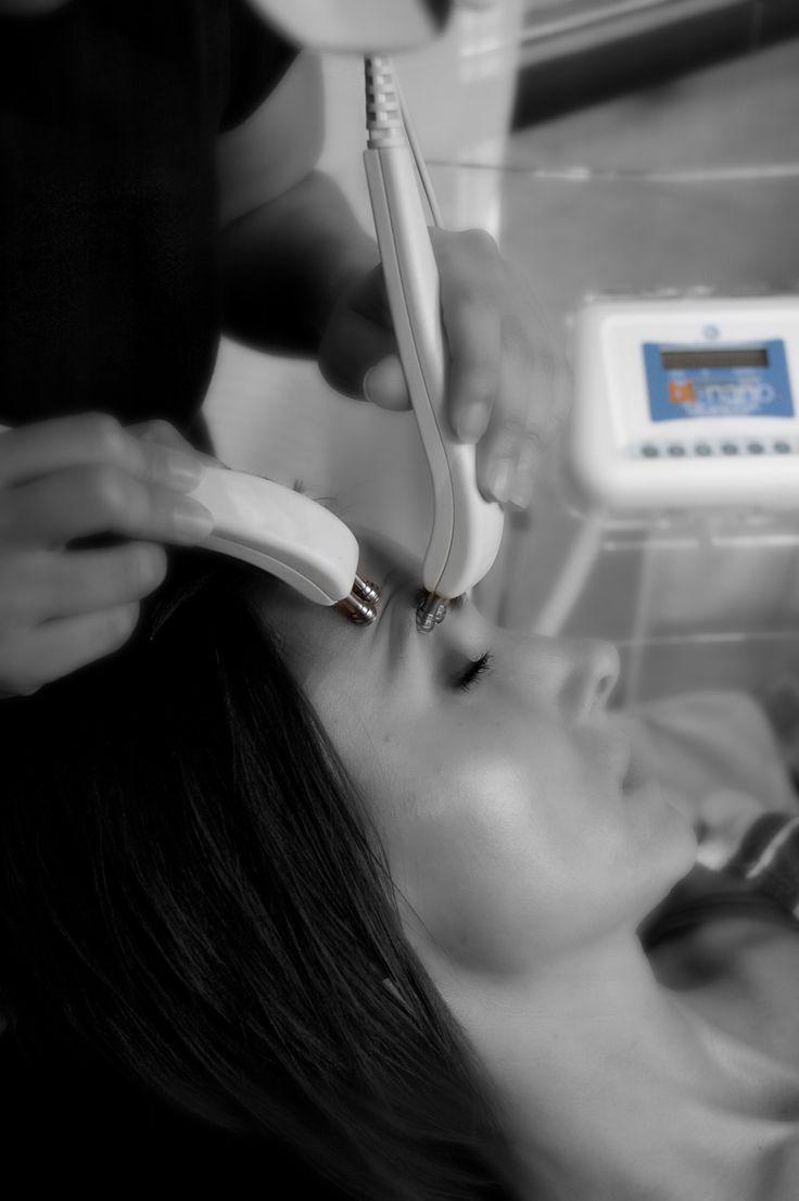 Microcurrent facial toning