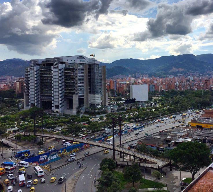 🌳🌲🏢🌳🚦🛣🚦🚗🚕🚙🚌🚓🚑🚐🚚🚛🏍🚲   Ciudad , City, Edificios, Buildings, Calles, Streets, Medellin, Antioquia, Colombia
