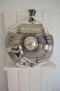 Tuerkranz-Wandkranz-Weide-grau-weiss-37-cm-mit-Edelstahlkugel-Willkommen