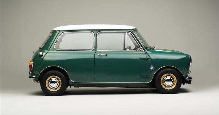 1/4 lights , clear indicator lens's , two tone paint , and vented wheels , is this an Innocenti Cooper ?