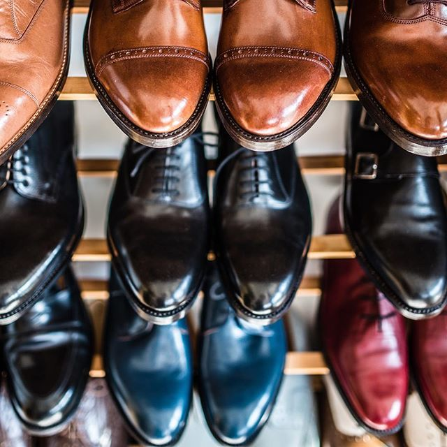 Handwelted Fabula shoes that our customers can see, touch and try in our workshop before making the decision on which model they would like to order as bespoke shoes. 👉Order:info@fabulashoes.com #fabulashoes #fabula_bespoke_shoes #bespoke #bespokeandfor #bespokemakers #gentlemenstyle #gentlemensclub #gentlemen #styleforum #styleformen #shoelover #shoestagram #shoegazing #handmadeshoes #handwelted #lordbespoke #madetoorder #dapper #gents #fashionformen #leathercraft #highfashion #classy…