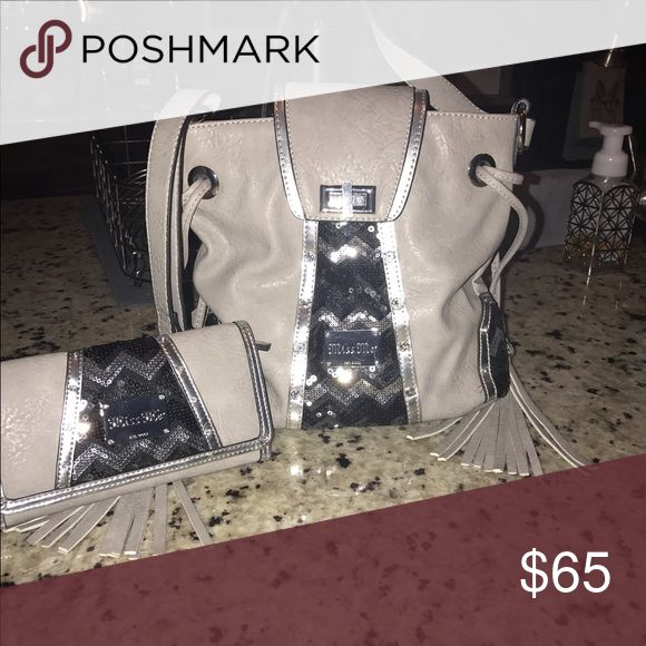Miss Me Purse and wallet mint condition Miss Me Bags Crossbody Bags