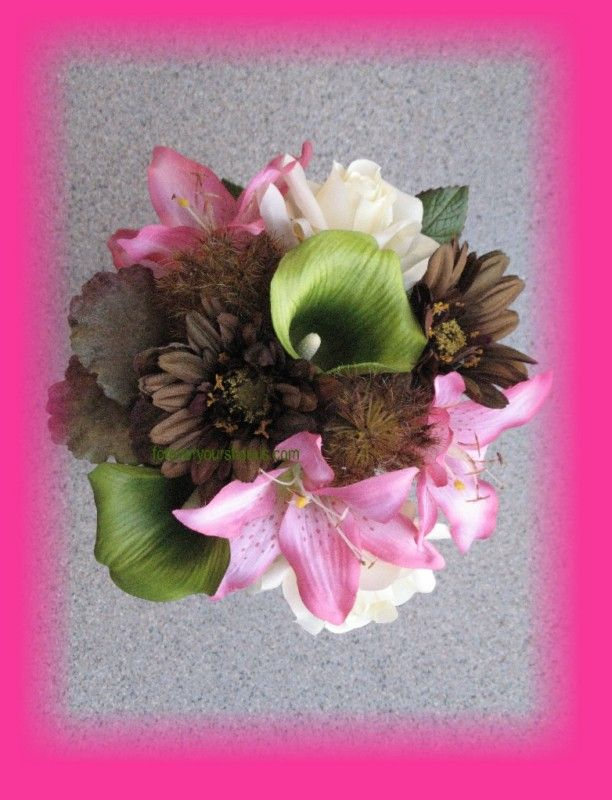 Hot Pink Mossy Oak Wedding Bouquets, Camo Bouquets | eBay---love except replace pink with purple