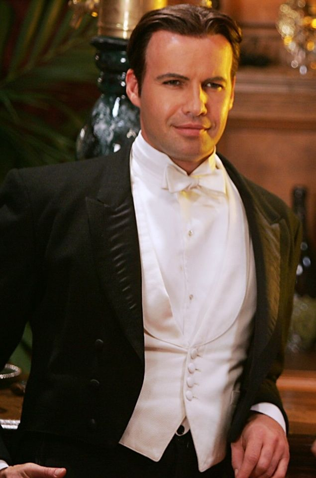 Drake de' Mon - Billy Zane the only one Hubbles and I cheer for in that movie.