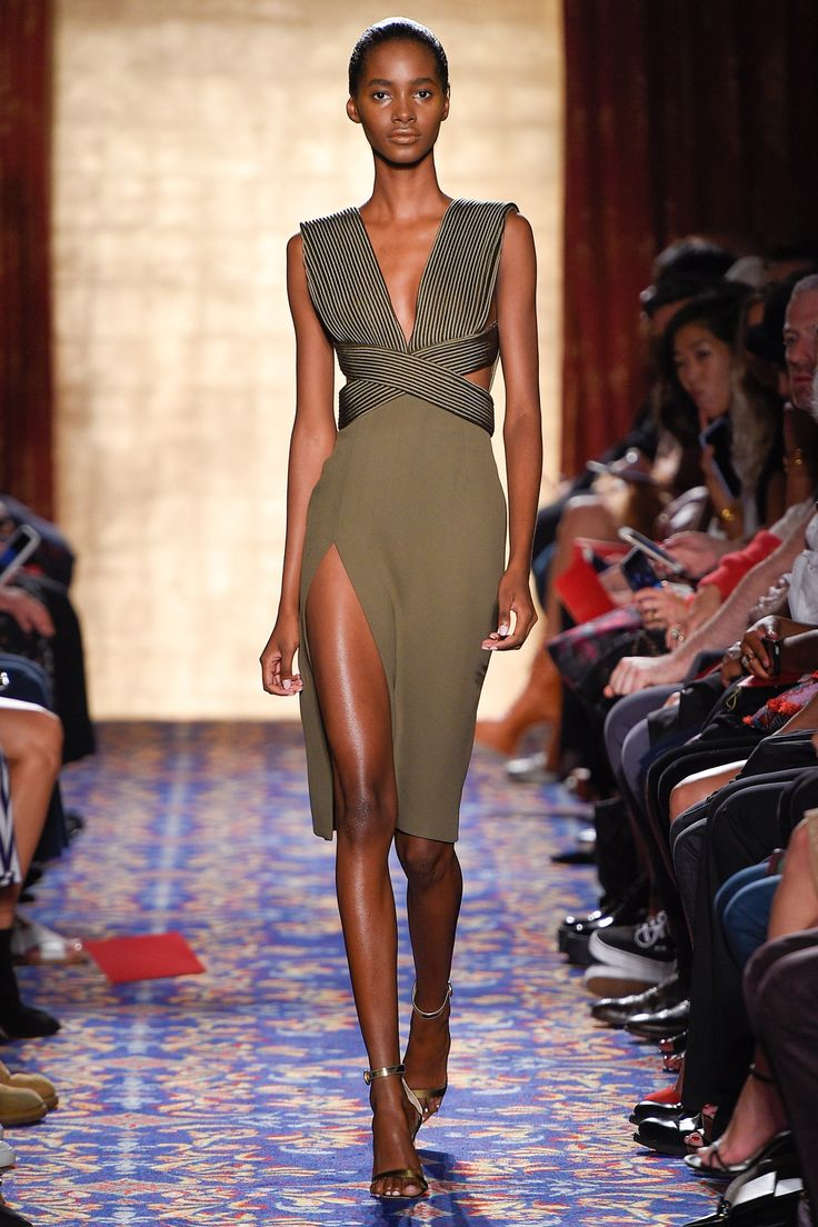 She is gorgeous. Like a sculpture! Brandon Maxwell Spring 2017 Ready-to-Wear Fashion Show - Tami Williams